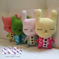 Peaceful-pajama-cutie-dolls-standing