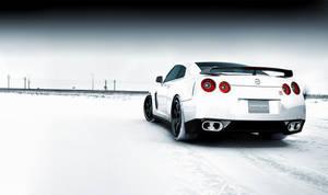 Nissan GTR Snowy Field
