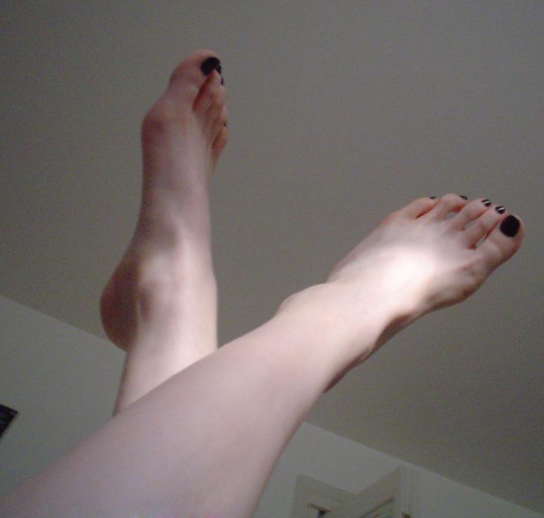 Feet Id by Makikozlik