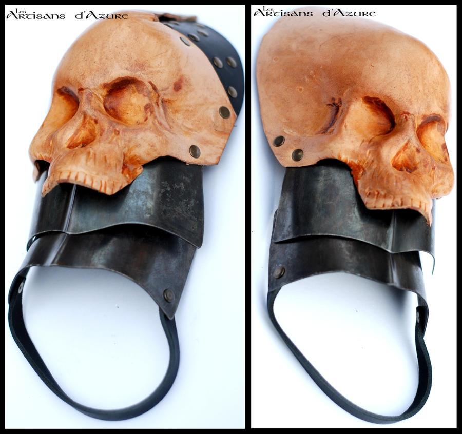 Skullmonger's pauldrons by ArtisansdAzure