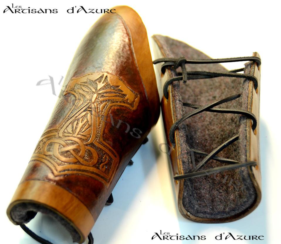 Liveblade Leather Vambrace by ArtisansdAzure