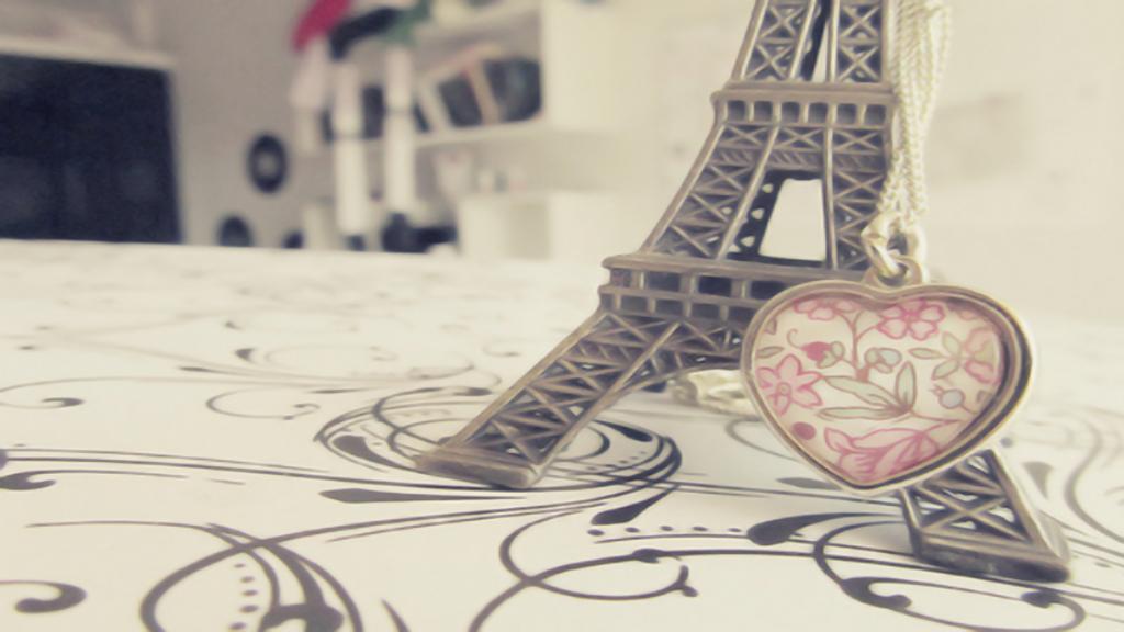 Wallpaper Love Paris Nonu By Nonuu