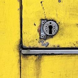 A Keyhole by Einsilbig