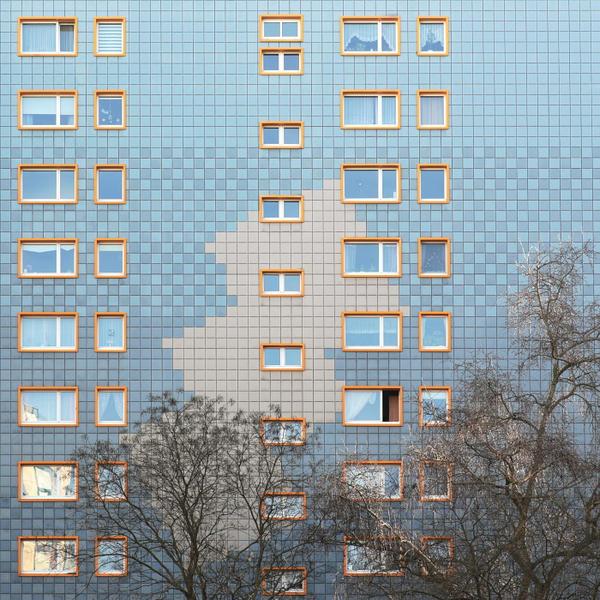 Winter trees meet Berlin walls by Einsilbig