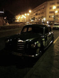 stare autko z warszawy by Lindeczek