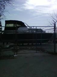 Boat full of hope by Lindeczek