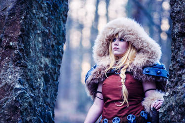 Astrid from How to train your dragon 2 cosplay