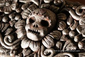 Lotje's Memory Box - Skull detail