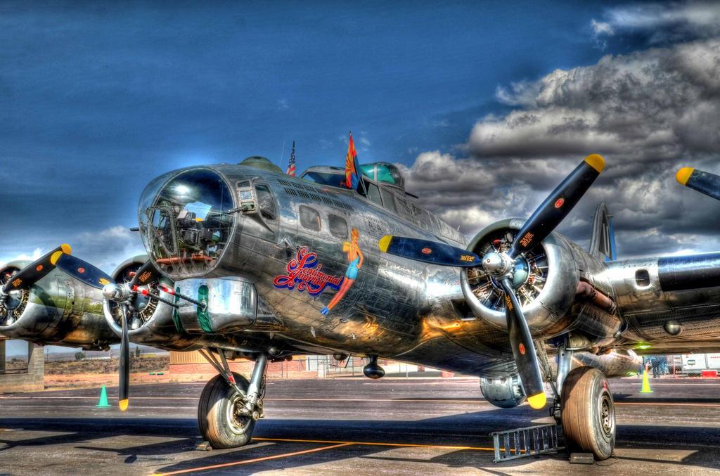 B-17 HDR by honda-vfr