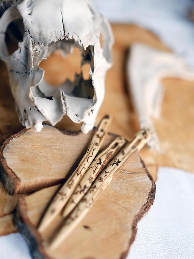 Caveman's nalbinding needles by RoboMage