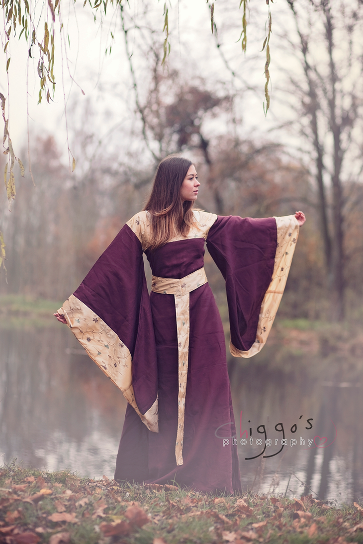Autumn dress by Gewandfantasien
