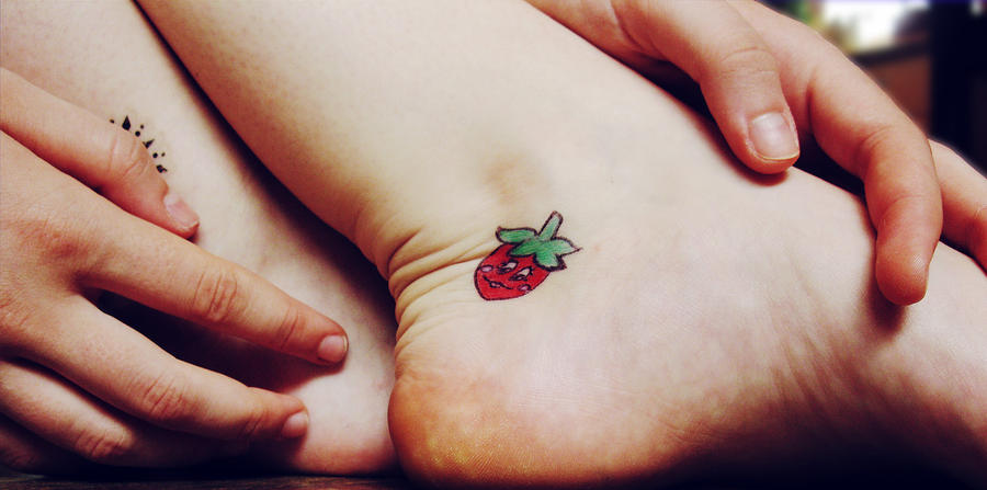sneweeeeen strawberry tattoos. Black Bedroom Furniture Sets. Home Design Ideas