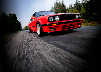 BMW E30 - running through