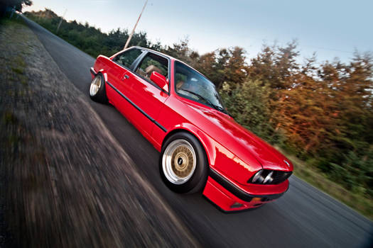 BMW E30 - running through 2