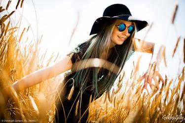 sunny field by GekkoLilly