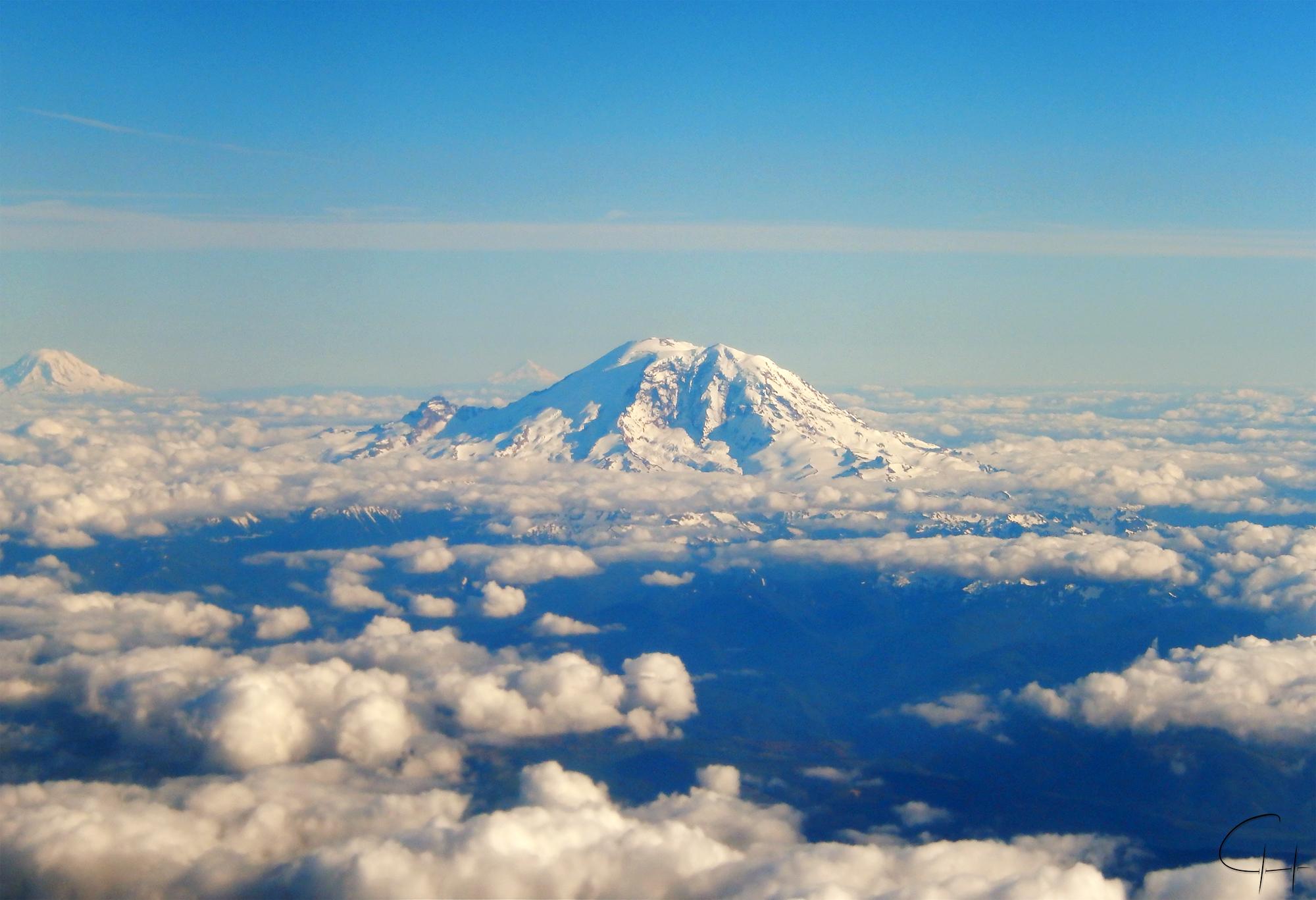 Mt Rainier by Chillstice