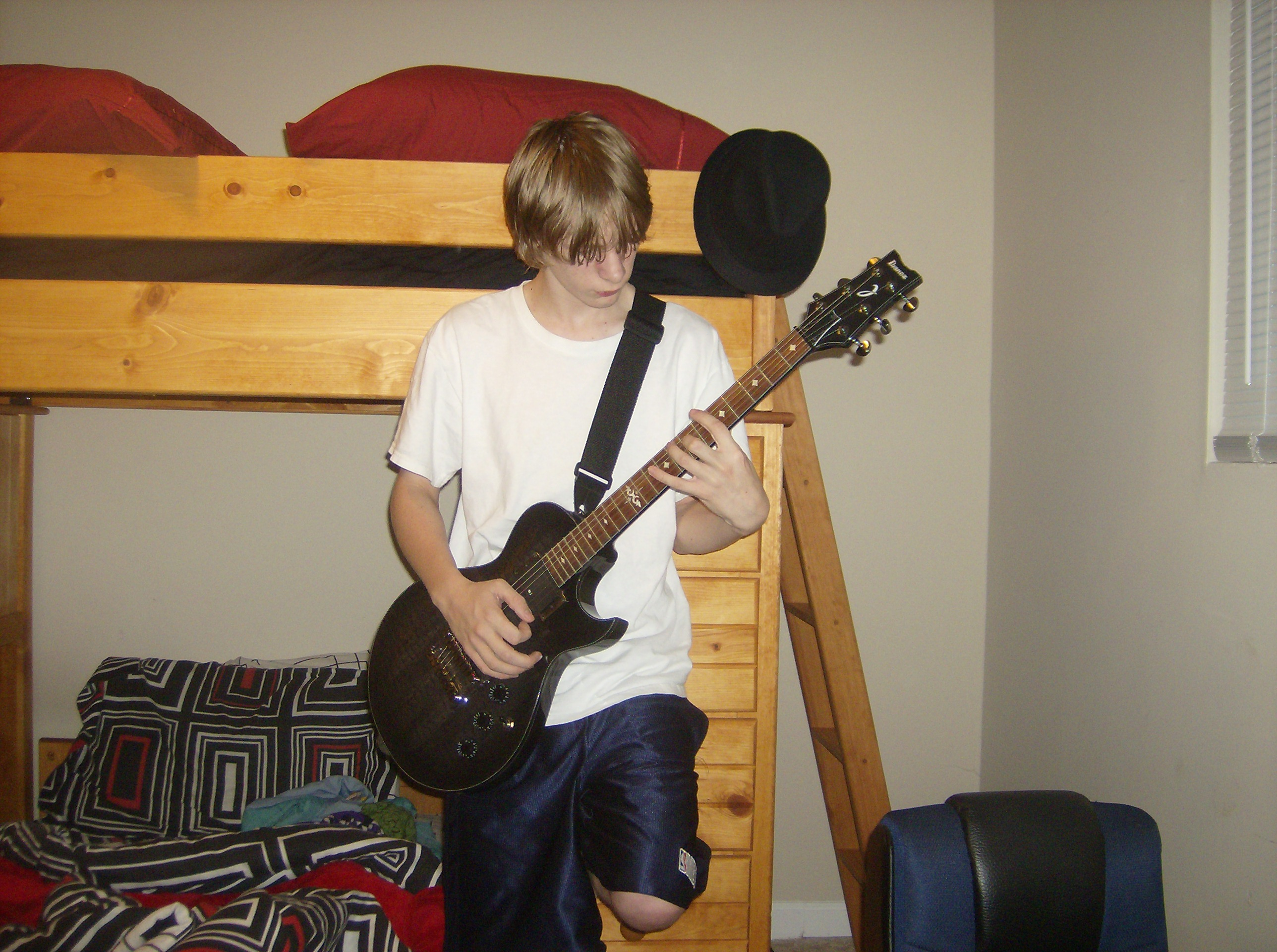 My Awesome Guitar Pose By Machzieightoh