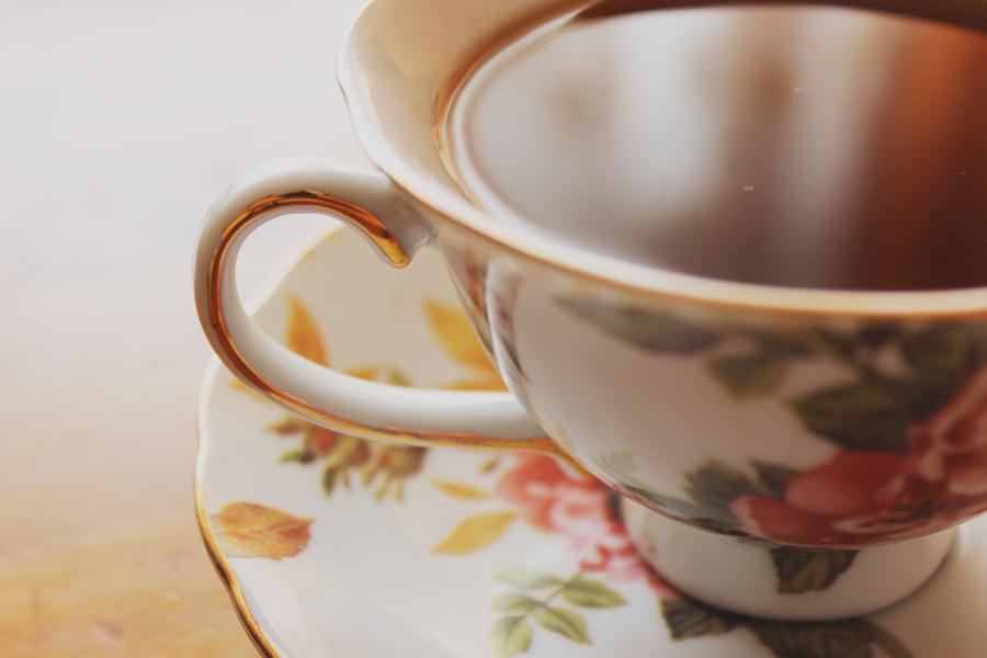Tea time by Sabal-Revals