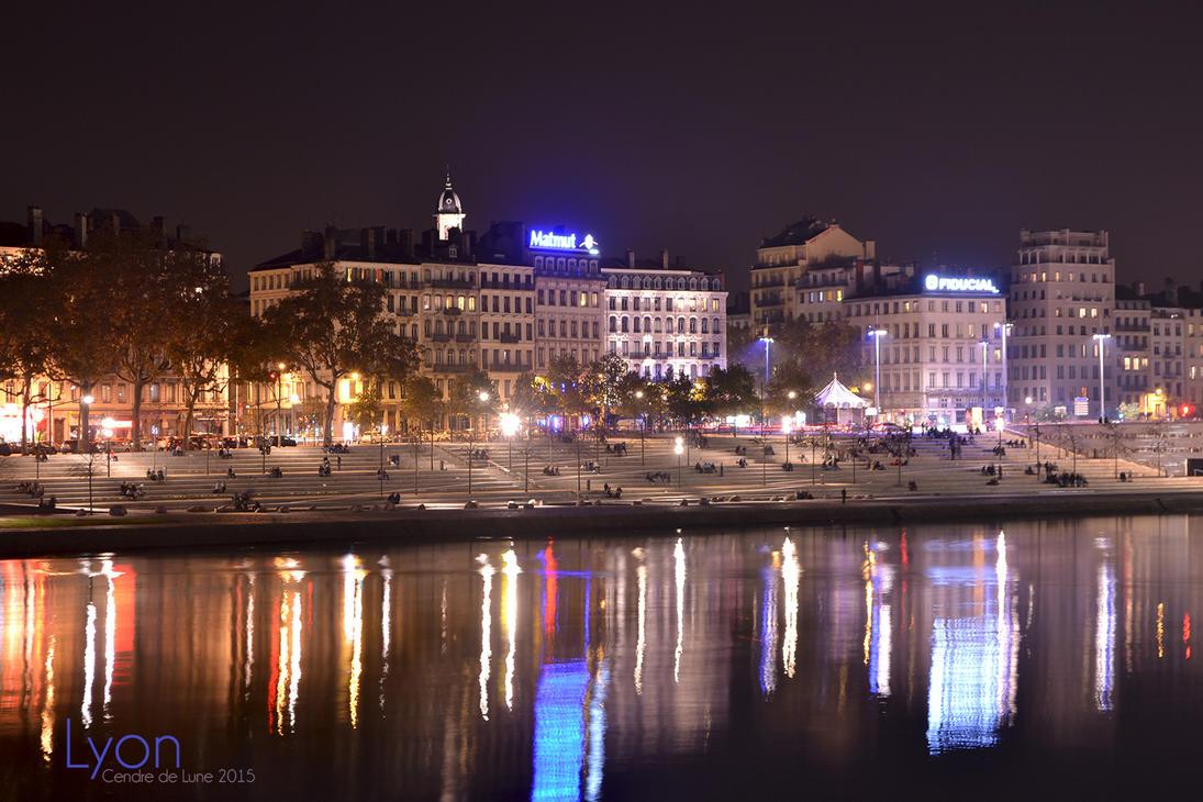 Photo de nuit a Lyon by cendredelune