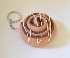 Cinnamon roll Keychain by TheDarkLittleBunnY