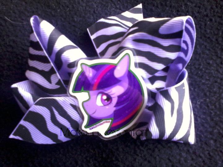 Twilight Sparkle bow by MiakaLin