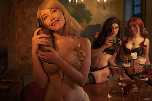 Sorceresses party (Witcher cosplay frame 12)