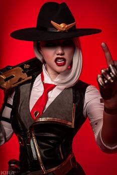 Overwatch Ashe cosplay