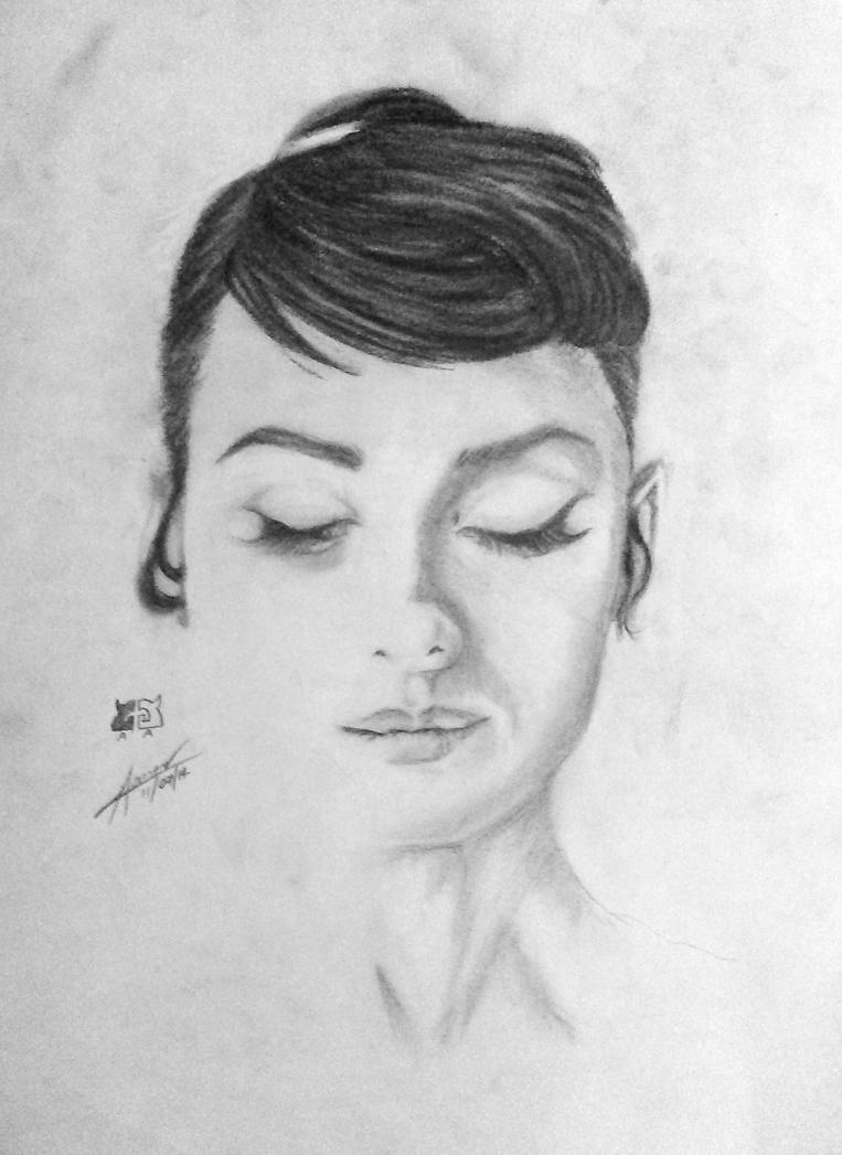 Audrey Hepburn (Charcoal Drawing) by weeee99