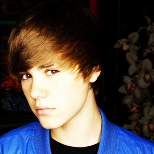 Justin Bieber's hottt :D by XxJakeTAustinLuverxX