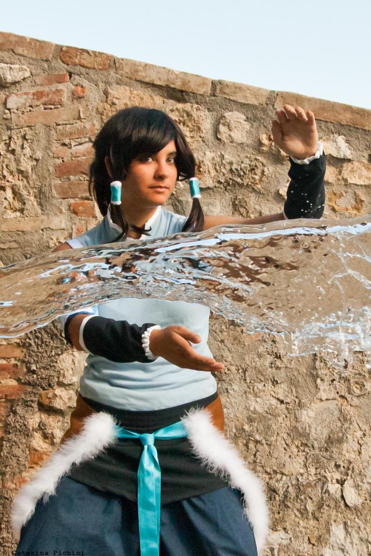 Avatar Korra REAL water bending 2 (DETAIL) by LadyDmc