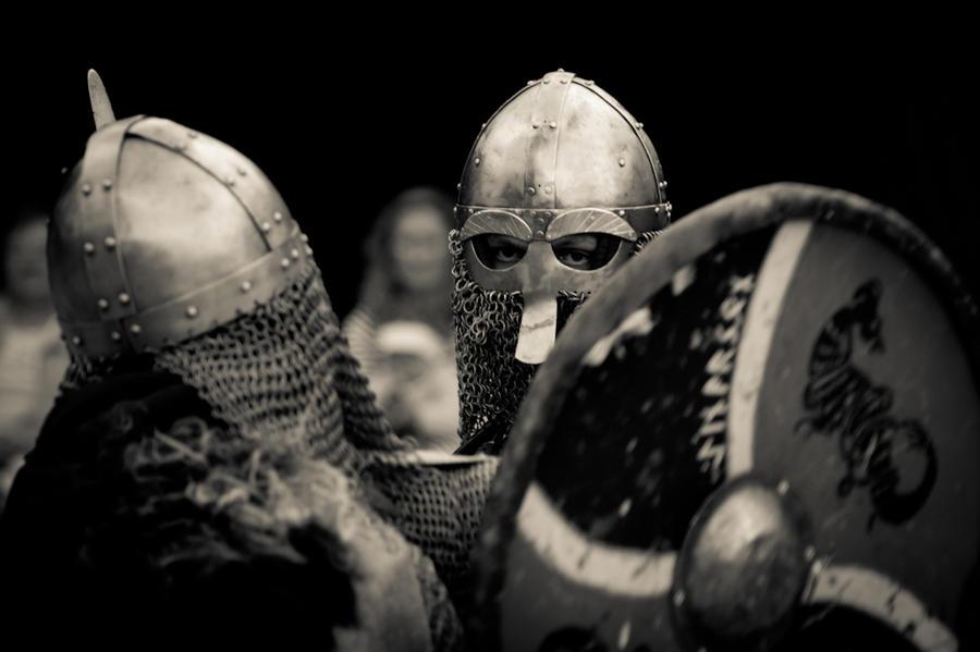 http://fc01.deviantart.net/fs71/i/2011/209/d/d/no_title_200_by_eskadr-d41wnc5.jpg