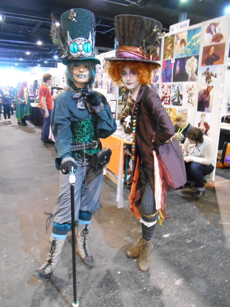 EpicCon Frankfurt 2016 cosplay: Cat and Mad Hatter by Lalottered