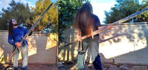 Zwei-guitaring (Zweihander papercraft build)