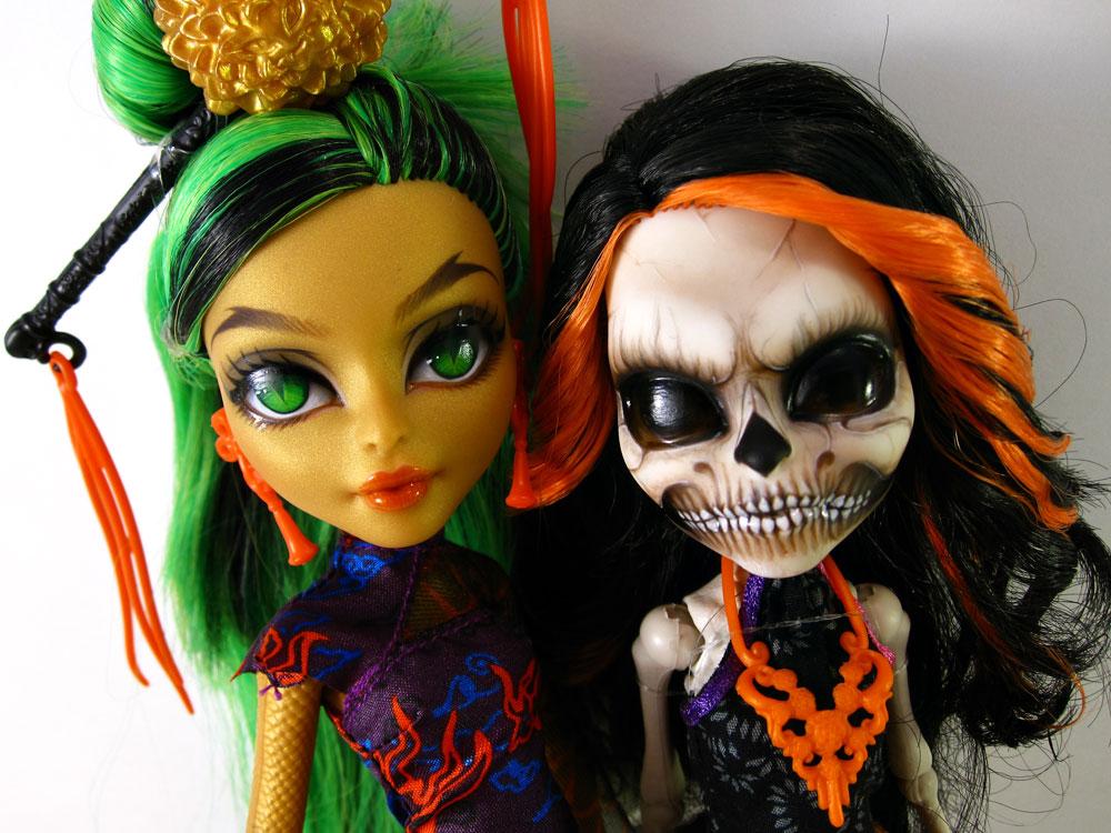MH Custom - Jinafire and Skelita by periwinkleimp