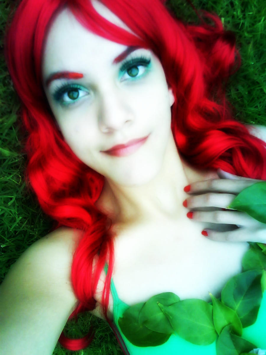 Poison Ivy's Smile by BluePandora09