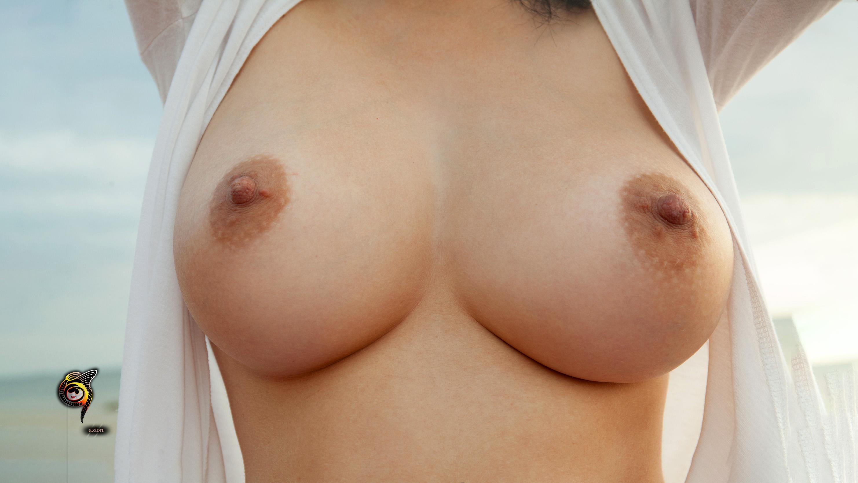 фото груди на телефона
