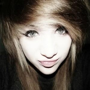 CrystalNegru's Profile Picture