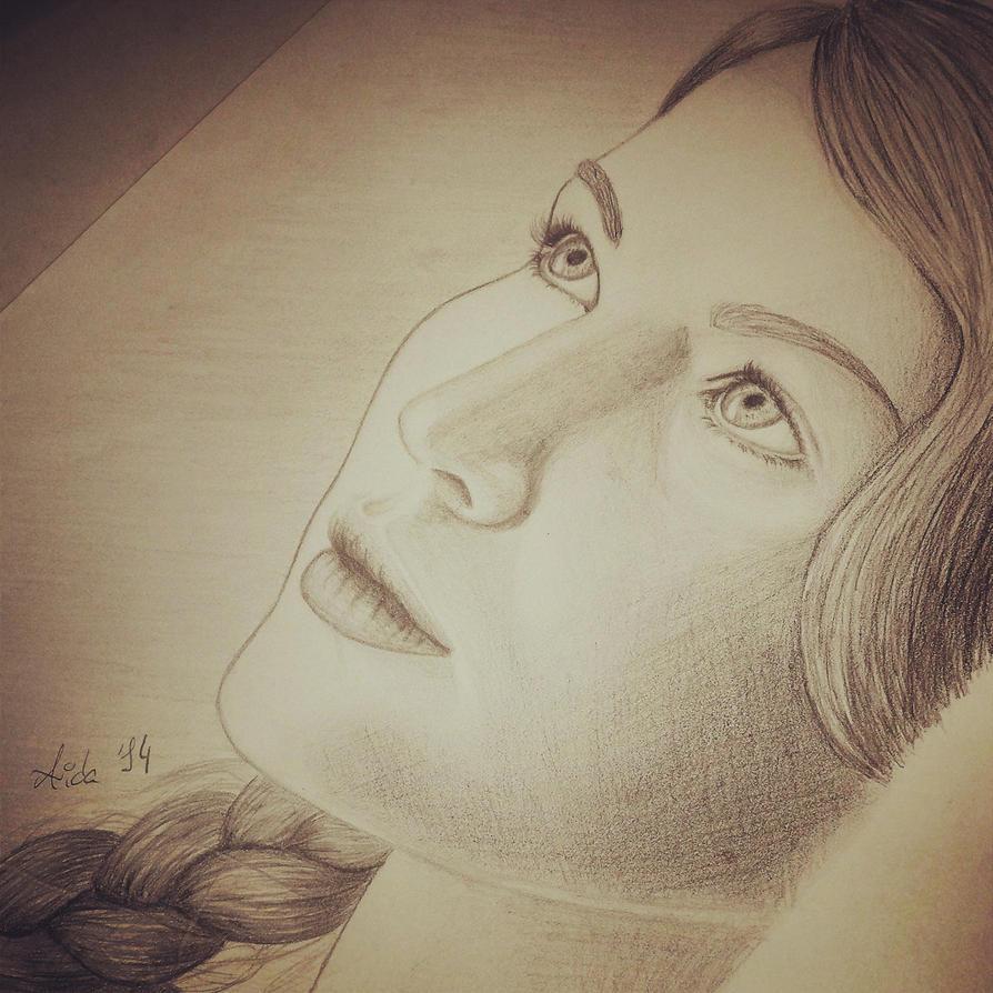 Katniss Everdeen by Lisa159
