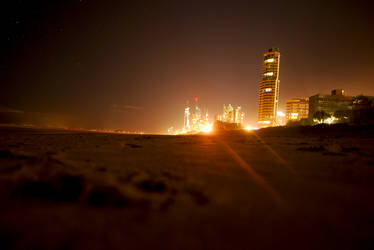 Surfers Paradise by beckenslobber