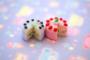 Kawaii Cakes by ChloeeeeLynnee97