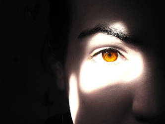 autumn eye by Loonaticemonic