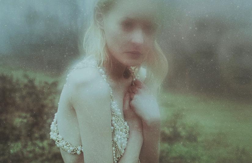 I met her again.. by laura-makabresku