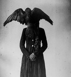 Birdqueen by laura-makabresku