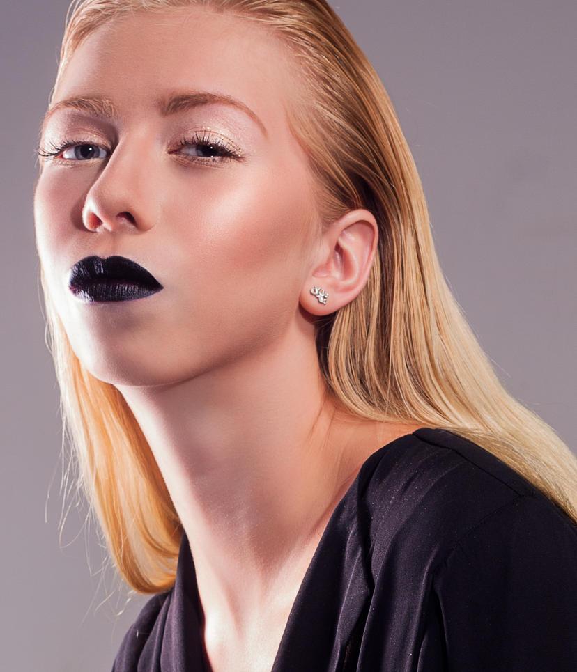 dark lips by Aarehir