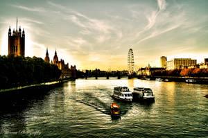 Moments in London by Nittaaaa