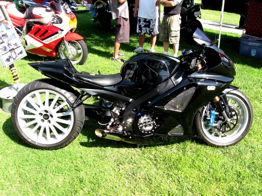 Custom r1 sport bikes