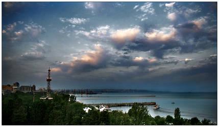 Caspian's Clouds... by daglaroglu