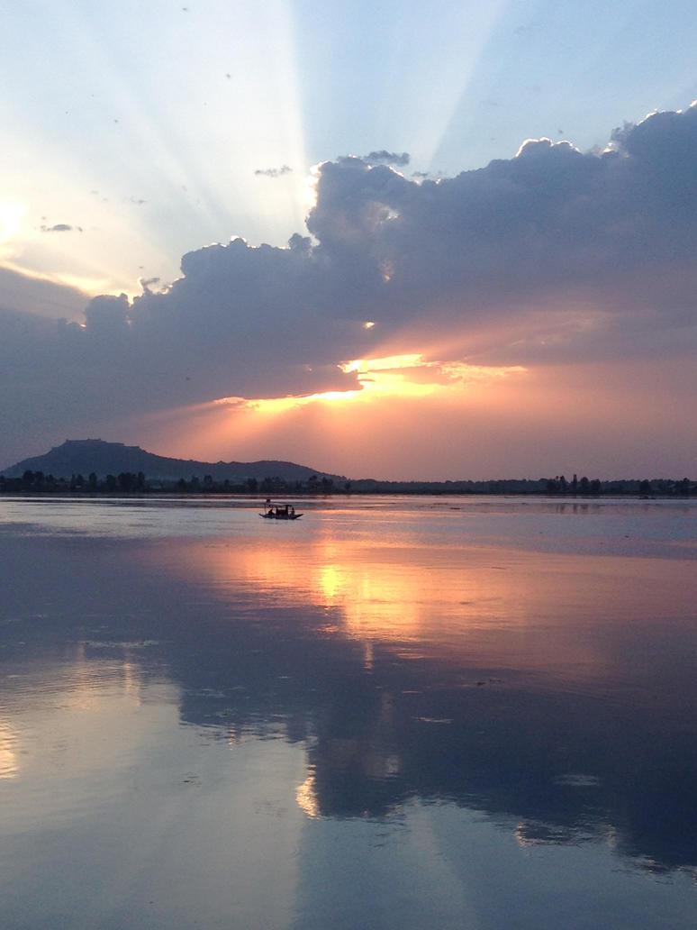 Kashmir Sunset on Dal lake by royalserenity