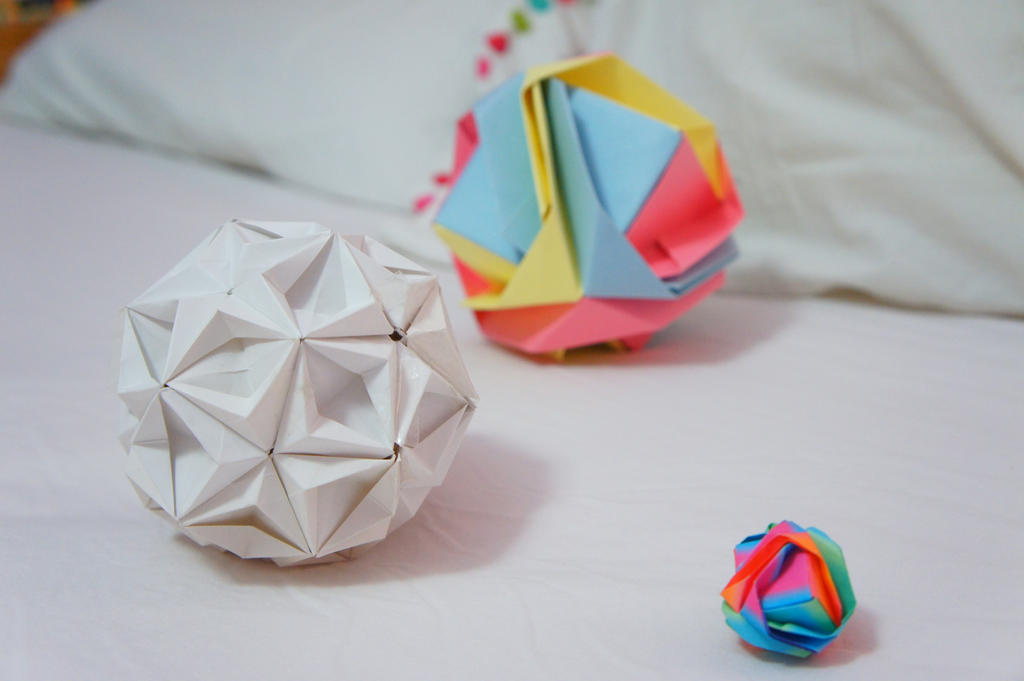 Three Origami Balls By Pink Limes