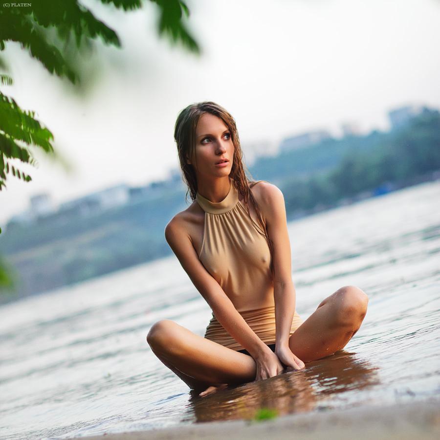 polnostyu-golie-krasavitsi